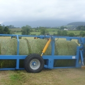 Bale trailer loaded